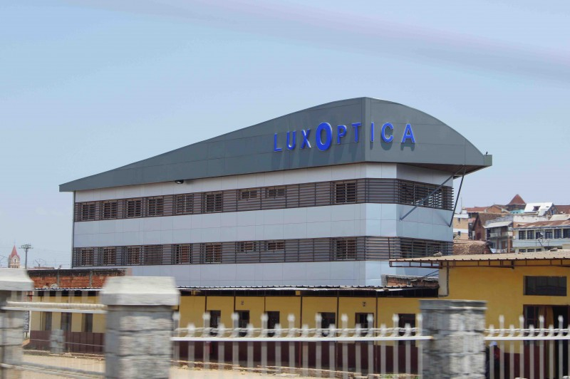 immeuble commercial Luxoptica